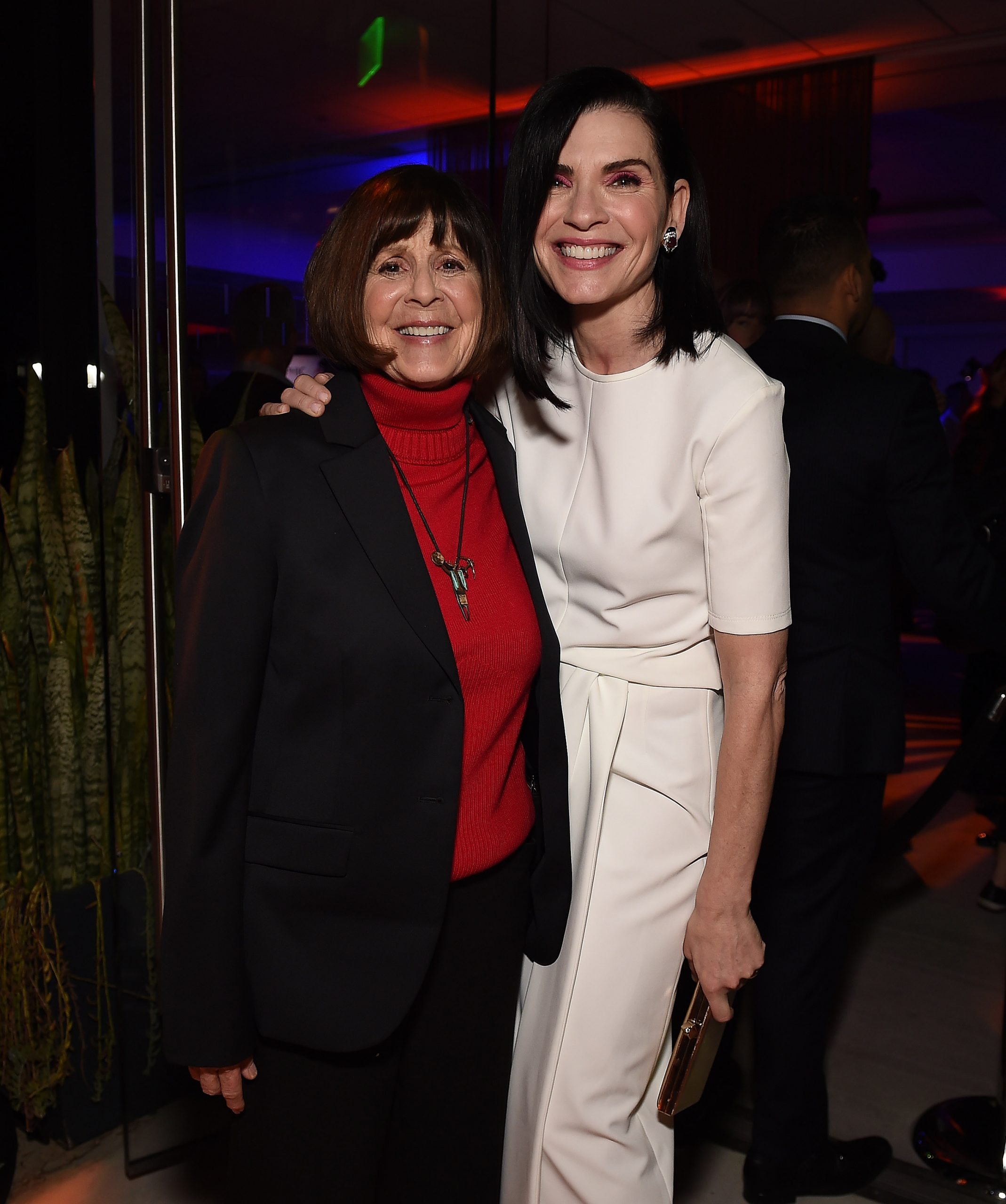 photo of Lt. Col. Nancy Jaax and Julianna Margulies